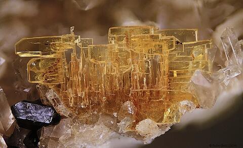 Mineral Images Only: Wöhlerite