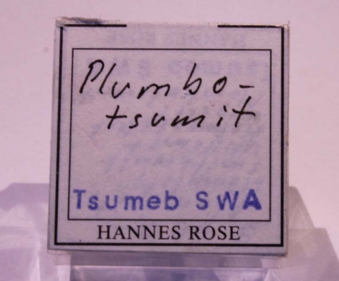 Label Images - only: Plumbotsumite