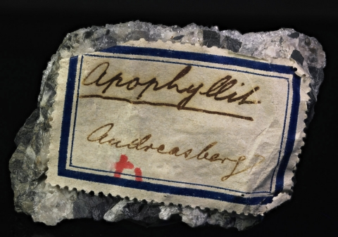 Label Images - only: Apophyllite