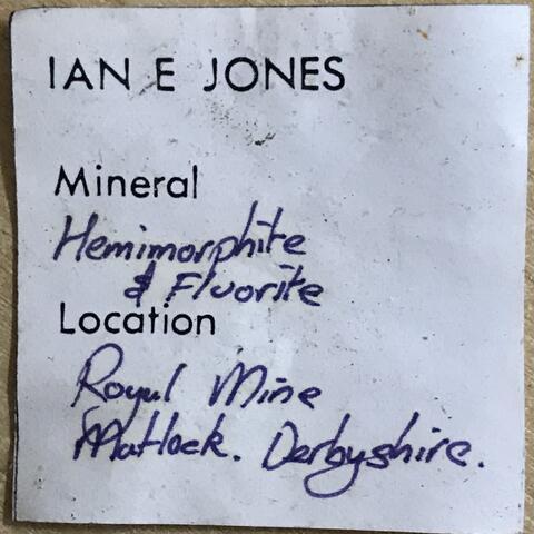 Label Images - only: Fluorite & Hemimorphite
