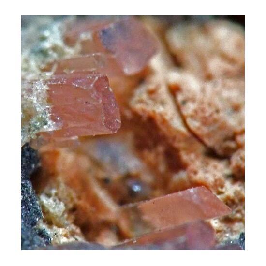 Phosphosiderite On Triplite With Barbosalite