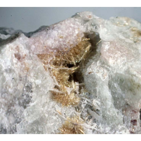 Barytolamprophyllite & Raite
