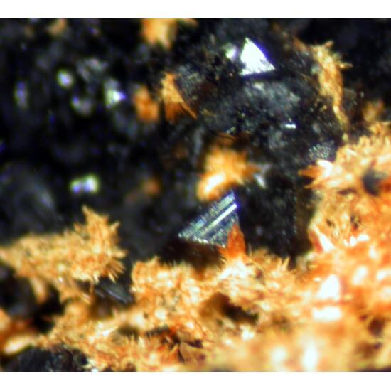 Schneiderhöhnite & Karibibite