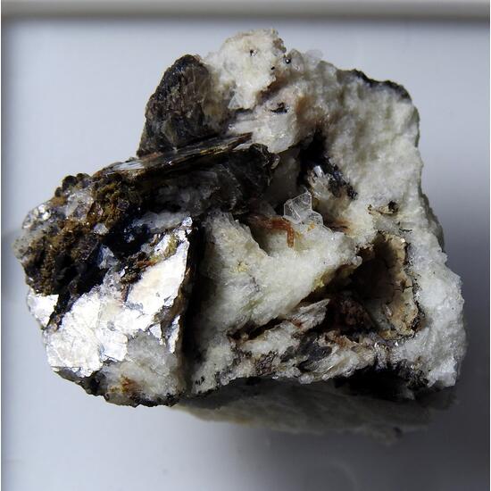 Greifensteinite & Eosphorite
