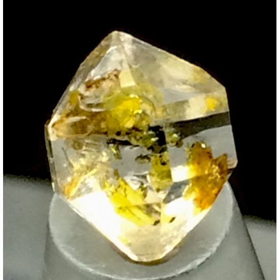 Quartz With Petroleum Inclusions