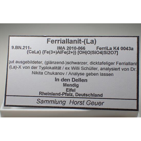 Ferriallanite-(La)