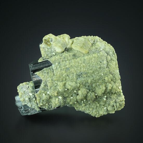 Ferberite With Apatite Siderite