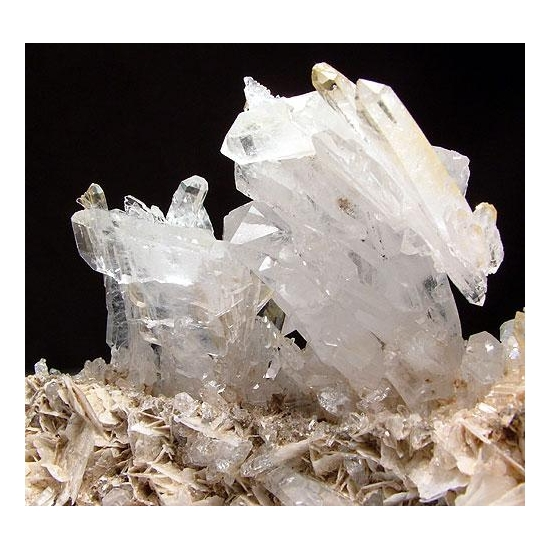 Quartz Var Faden & Calcite