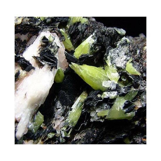 Pyromorphite Baryte & Goethite